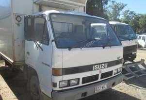 1991 Isuzu NPR 300 Wrecking Trucks