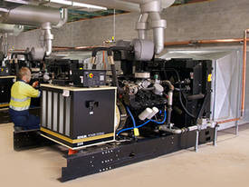 3hp Piston Compressor, Single Phase, 240V 15 amp - picture3' - Click to enlarge