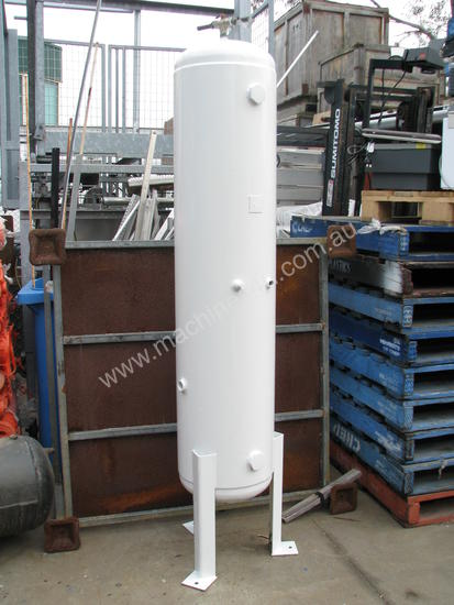 Used Unknown Vertical Standing Air Compressor Receiver Tank 190 Air