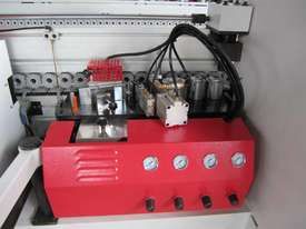 RHINO R8000 AUTOMATIC CNR ROUNDING EDGE BANDER - picture1' - Click to enlarge