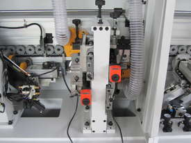RHINO R8000 AUTOMATIC CNR ROUNDING EDGE BANDER - picture4' - Click to enlarge