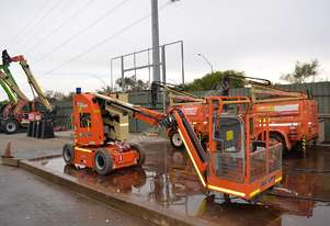 2009 JLG E300AJP Articulating Boom Lift