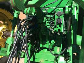 John Deere 8335R FWA/4WD Tractor - picture3' - Click to enlarge