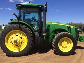 John Deere 8335R FWA/4WD Tractor - picture14' - Click to enlarge