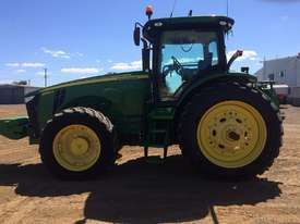 John Deere 8335R FWA/4WD Tractor - picture10' - Click to enlarge