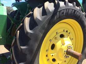 John Deere 8335R FWA/4WD Tractor - picture16' - Click to enlarge