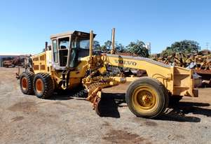 2001 Volvo G720 VHP Grader *CONDITIONS APPLY*