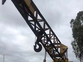 CRANVEL 3 TONNE TRACTOR CRANE - picture2' - Click to enlarge