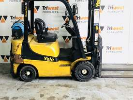 Yale 2.0t counterbalanced container mast forklift - picture3' - Click to enlarge