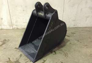 UNUSED 400MM DEEP BUM GUMMY BUCKET SUIT 3-4T EXCAVATOR D944