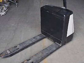 Crown 20WP2020 Pallet Forklift - picture2' - Click to enlarge