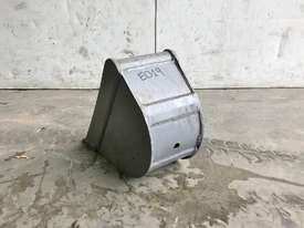 UNUSED 200MM TRENCHING BUCKET TO SUIT 0-1T EXCAVATOR E019 - picture2' - Click to enlarge