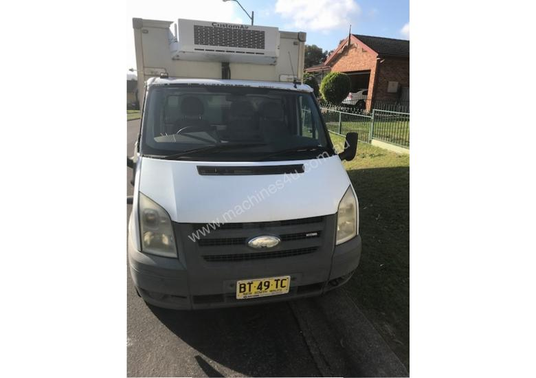 2007 Ford transit Refrigerated truck