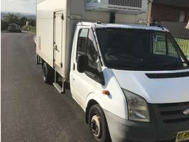 2007 Ford transit Refrigerated truck - picture1' - Click to enlarge