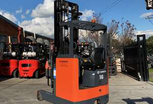 Toyota 1.6T Ride On Reach Truck for HIRE