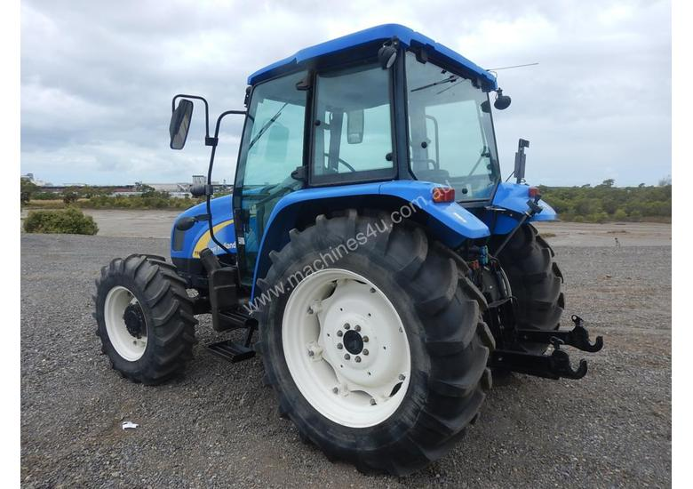 2013 New Holland T5040 4WD Tractor 4 Cyl c/w A/C, 3 Point Linkage, Drawbar (Hour Meter Shows 2,625)