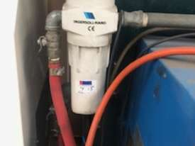 ****SOLD***Air dryer complete with pre and final filters - picture2' - Click to enlarge
