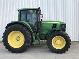 John Deere 7530 Premium FWA/4WD Tractor - picture0' - Click to enlarge