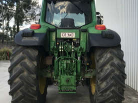John Deere 7530 Premium FWA/4WD Tractor - picture2' - Click to enlarge