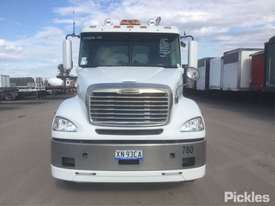 2017 Freightliner Columbia CL112 - picture1' - Click to enlarge