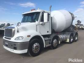 2017 Freightliner Columbia CL112 - picture2' - Click to enlarge