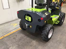 1.2T All-Terrain Forklift - Fully 4 x 4 Capable - picture2' - Click to enlarge