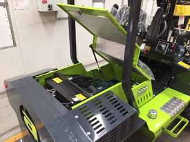 1.2T All-Terrain Forklift - Fully 4 x 4 Capable - picture7' - Click to enlarge