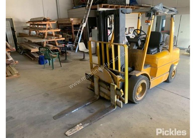 Used Hyster H3 00XMX Counterbalance Forklifts In Listed