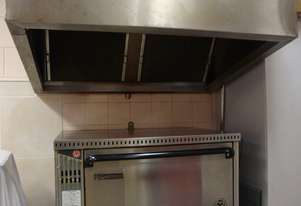 Commercial gas oven with extractor rangehood (W1250xL1000mm)