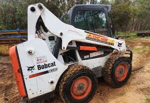 2015 Bobcat S590 SJC AC Cab with Attachments