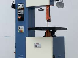 Quality 400mm THroat Taiwanese Vertical Bandsaw With Onboard Blade Welder, Grinder - picture2' - Click to enlarge