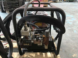 Enerpac Petrol Powered Double Acting Hydraulic Pump 10 ltrs, Powered by 5.5HP Engine - picture2' - Click to enlarge