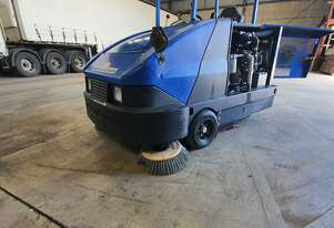 American Lincoln Ride On Industrial Sweeper