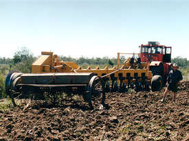Savannah 510 Magnum 10 Disk One-Way Plow - picture12' - Click to enlarge