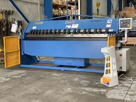 Heavy Duty Industrial Aussie Engineered & Designed 2500mm x 4mm Panbrake Folder - picture0' - Click to enlarge