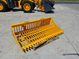 Tractor Rock Bucket, Sieve Bucket  - Euro Hitch - picture0' - Click to enlarge
