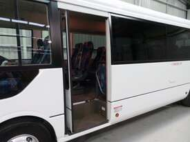 Fuso Rosa Coach Bus - picture9' - Click to enlarge