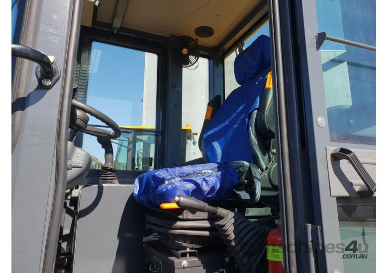 2019 Victory VL200E Wheel Loader with Rippers