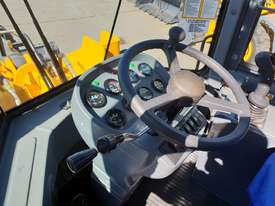 2019 Victory VL200E Wheel Loader with Rippers - picture13' - Click to enlarge