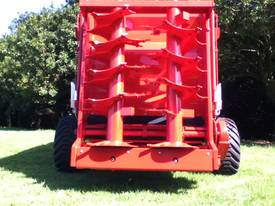 M40 manure/compost Spreader - picture2' - Click to enlarge