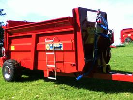 M40 manure/compost Spreader - picture0' - Click to enlarge
