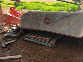Kuhn GMD240 Mower Hay/Forage Equip - picture2' - Click to enlarge