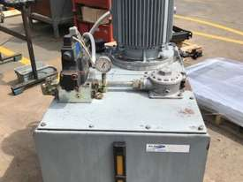 Parker Hydraulic Pump - picture1' - Click to enlarge