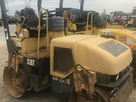Caterpillar CB224E Compaction Roller - picture0' - Click to enlarge