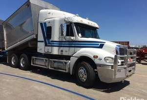 2010 Freightliner Columbia CL120 FLX