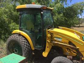2008 John Deere 4320 Enclosed Cab, c/w 4 in 1 Bucket, 3 Point Linkage - LV4320H420888 - picture2' - Click to enlarge
