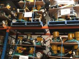 floor polishing machines 12 units per pallet  - picture0' - Click to enlarge