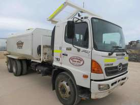 2007 HINO FM WATER TRUCK - picture0' - Click to enlarge