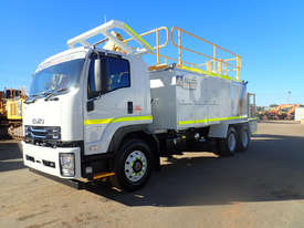 2019 Isuzu FVZ 260-300 Service Body Truck - picture2' - Click to enlarge