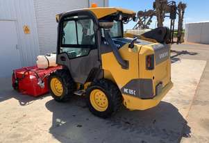 2014 VOLVO MC135C  SKID STEER U3887